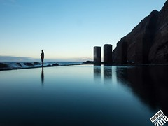Pescante (dr_cooke) Tags: loneliness soledad una persona blue hour