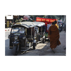 Chiang Mai (rousselfineartphoto) Tags: news editorial photography photographie montreal canada agence quebec presse roussel pierre province thailand chiangmai city december 2016 after king death tribute monks passing by tuktuk taxis street food chiangmaiprovince tha