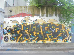 039 (en-ri) Tags: vips crew ekkie elice arrow nero arancione torino wall muro graffiti writing