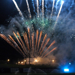 Post-Game Fireworks (joeldinda) Tags: d70 nikond70 2005 fireworks ballpark ballyard field stadium midwestleague oldsmobilepark oldspark cooleylawschoolstadium cooleystadium jacksonfield lansing baseball lansinglugnuts 0944 august nikon michigan