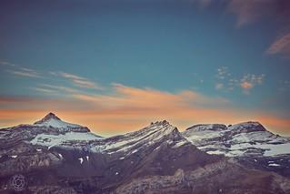 Joli sucre glace ce matin sur les pentes de Glacier3000.. accompagné d'une sympathique bise pour garder les idées fraiches... . . . Fujifilm X-t1, XF1855 . . . . #glacier3000 #diablerets #myswitzerland #feelthealps #switzerlandpictures #swiss_alps #swissa