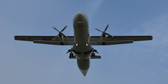 Flugzeug (Thomas Zampich) Tags: flugzeug luftfahrt flughafen urlaub reise technik plane