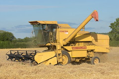New Holland Clayson 8060 Combine Harvester cutting Spring Barley (Shane Casey CK25) Tags: new holland clayson 8060 combine harvester cutting spring barley nh cnh yellow rathcormac grain harvest grain2018 grain18 harvest2018 harvest18 corn2018 corn crop tillage crops cereal cereals golden straw dust chaff county cork ireland irish farm farmer farming agri agriculture contractor field ground soil earth work working horse power horsepower hp pull pulling cut knife blade blades machine machinery collect collecting mähdrescher cosechadora moissonneusebatteuse kombajny zbożowe kombajn maaidorser mietitrebbia nikon d7200
