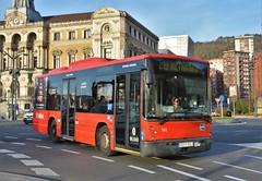 Bilbao, plaza Ernesto Erkoreka 12.12.2016 (The STB) Tags: bus autobus autobús busse publictransport citytransport öpnv transporteurbano transportepúblico bilbo bilbao bizkaia vizcaya biobide