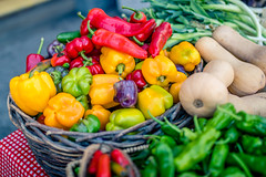 Peppers (rg69olds) Tags: 09152018 35mm 5dmk4 canoneos5dmarkiv nebraska sigma35mmf14artdghsm canon downtown farmersmarket omaha sigma veggies peppers red yellow green morning 35mmf14dghsm|a