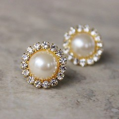 Gold and Pearl Earrings, Pearl and Gold Earrings, Ivory Pearl and Crystal Earrings, Gold Crystal Earrings, Ivory Pearl Earring Set https://t.co/OPKwTtfOfZ #earrings #gifts #weddings #bridesmaid #jewelry https://t.co/wvAWZeYxPg (petalperceptions.etsy.com) Tags: etsy gift shop fashion jewelry cute