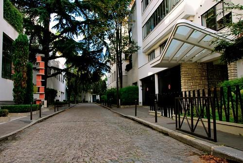 Vue générale de la rue Mallet-Stevens 2