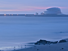 terminal de cruzeiros (ahfeelabout) Tags: pentaxk3ii smcpa3580mmf4056 sunset portugal porto matosinhos architecture longexposure ocean