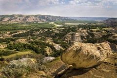 Broad (dayman1776) Tags: beautiful sony a6000 theodore roosevelt national park landscape nature rock boulder sunny afternoon usa america north dakota wild natural far