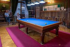 La Bilbaína - Salón de billar (Juan Ig. Llana) Tags: bilbao vizcaya españa es labilbaina club inglés bola billar mesa palo taco madera jugador gente tapete azul