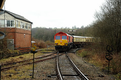 Tondu 80723 (kgvuk) Tags: tondu station railwaystation railway tondustation maestegbranch train locomotive diesellocomotive class66 66230 dbcargo railtour valleyofthewitch