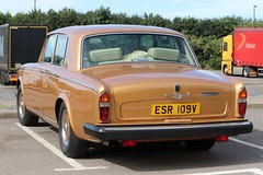 ESR 109V (Nivek.Old.Gold) Tags: 1980 rollsroyce silver shadow ii 6750cc roberthughes weybridge