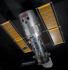 Hubble Space Telescope 1:5 Model (Smithsonian National Air and Space Museum) Tags: telescope space hubblespacetelescope airandspacephoto nationalairandspacemuseum smithsonian lockheedmissileandspacecompany spacecraft model