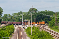 BNSF Grain to A&S (tim_1522) Tags: railroad railfanning rail illinois il unionpacific up springfield sub subdivision pana brooklyn district lenoxtower ns norfolksouthern altonsouthern as signals bnsf burlingtonnorthernsantafe grain generalelectric