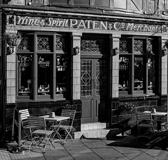 Paten's.jpg (uplandswolf) Tags: pub paten stamford lincolnshire lincs mono bw