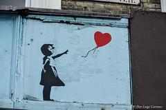 Portobello Road (pierluigi.carrano) Tags: london londra banksy murales heart cuore nikon d3100 portobelloroad