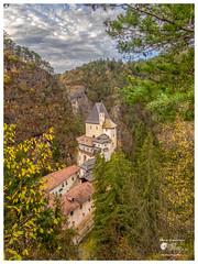 San Romedio (Enrico Moser) Tags: trentino middleage autunno autumn otono medieval montagna mountain rocks roccia architecture