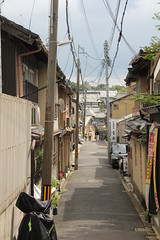 Kyoto 16.09.2018 (szogun000) Tags: kyoto 京都 kyōtoshi japan nippon nihon 日本 japonia city cityscape building poles electric lines traditional residental alley street urban kyotoprefecture 京都府 kyōtofu canon canoneos550d canonefs18135mmf3556is