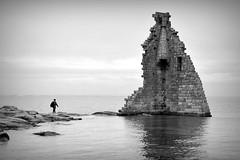 De vuelta al pasado (Osruha) Tags: torredesansadurniño cambados pontevedra galicia españa espanya spain pasado passat past torre tower arquitectura architecture blancoynegro blancinegre blackandwhite bw bn bnw nikon nikonistas nikond750 d750