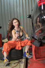 DSC_8607 (Robin Huang 35) Tags: 黃艾比 abbie 修車廠 泳裝 比基尼 bikini 修車服 人像 portrait lady girl nikon d850 車 car