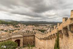 Castello Capdepera 2 (hrolapp) Tags: aussicht burg burgmauer capdepera castell drama himmel häuser mallorca mauer urlaub wolken balearischeinseln spanien es