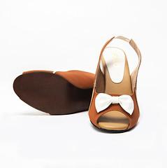 Jenny Tan And White Sling Back Heels 4 (paio.nirmal) Tags: paioshoes paio toes heels highheels heelsforwomen peep peeptoes