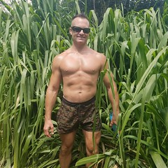 jungle (ddman_70) Tags: shirtless pecs abs muscle shortshorts outdoors jungle