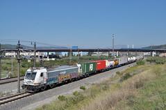 20/IX/2018. Since 1975. (Camineru) Tags: renfe mercancias operadora 253 traxx teco f140dc2 papiol barcelona catalunya railfreight freight fret mercancías