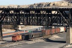 The BNSF El Paso Road Switcher running under the UPRR bridges. (Travis Berryman) Tags: elpasosub atsf elpaso westtexas desertrailroading