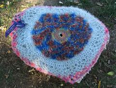 Woll-Lust III (MKP-0508) Tags: häkeln crocheter crochet behäkeltesteine steine stones cailloux urbanart kunstimöffentlichenraum wolllust wolle wool laine rüsselsheim festung festungrüsselsheim opelvillen