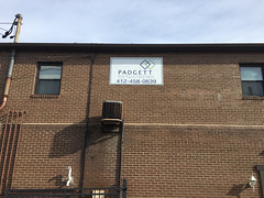 Padgett (Sir Speedy Pittsburgh) Tags: aluminum signage sign signs exterior outside outdoor outdoors wall brick building buildings weatherproof weather rain snow temperature temperatures white padgett high off ground