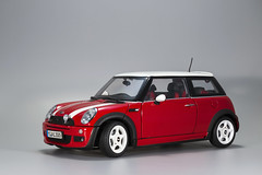BMW Mini Cooper One 1/18th Model (syf22) Tags: car scalemodel model scale toy display autocar automobile vechile motor motorcar automotor replica bmw mini cooper minicooperone focusstacking