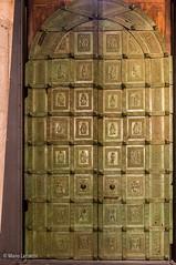 13112016-IMGP5358 (Mario Lazzarini.) Tags: porta bronzo old historic cattedrale chiesa scultura arte trani puglia italy