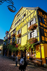 Riquewihr (Valdy71) Tags: riquewihr alsace france francia travel borgo building yellow color viaggi nikon valdy