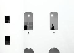 Woman in Black & White (arin.hakopian) Tags: woman frau k21 düsseldorf deutschland germany blackwhite schwarzweis mono monochrome monochrom window fenster abstract architecture architektur canon eos70d einfarbig