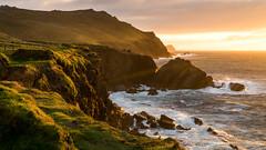 Somewhere in irland (Arnaud Regnier) Tags: rouge paysage landscape cliff cliffs irland irlande sonya6300 a6300 sunrise sunset sea seaside