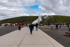Old Faithful - Yellowstone National Park - Fall 2018-57.jpg (jbernstein899) Tags: oldfaithful geyser yellowstonenationalpark tourists geothermalactivity wyoming