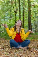 IMG_9442 (fab spotter) Tags: younggirl portrait forest levitation brenizer extérieur lumièrenaturelle