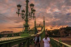 Budapest - Ponte delle catene (baridue) Tags: danubio budapest buda pest sunset tramonto colori colours capitale ungheria streetphoto streetphotography street