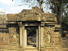 Angkor Thom, Siem Reap, Cambodia 2009 (leonyaakov) Tags: cambodia siemreap history buddhism buddhisttemple monument unesco religion stoneart stonecarving travel asia facade face angkor