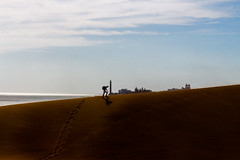 we move (stefan.bayer) Tags: sb we move gran canaria canary island dunes düne dünen lighthouse leuchtturm turm summer sand sommer sky yellow blue black mas palomas playas des ingles
