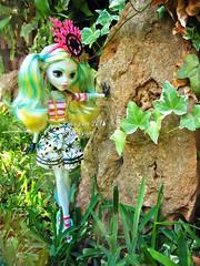 (Linayum) Tags: lagoonablue lagoona mh monster monsterhigh mattel doll dolls muñeca muñecas toys toy juguetes juguete linayum garden green plants