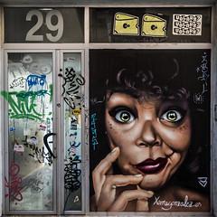 29 (*BegoñaCL) Tags: graffiti streetart eyes face woman door valencia elcarmen begoñacl
