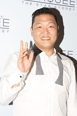 Psy_Gangnam_Style_performs_at_Marquee,_The_Star,_Sydney,_Australia_(1) (lois.dls) Tags: