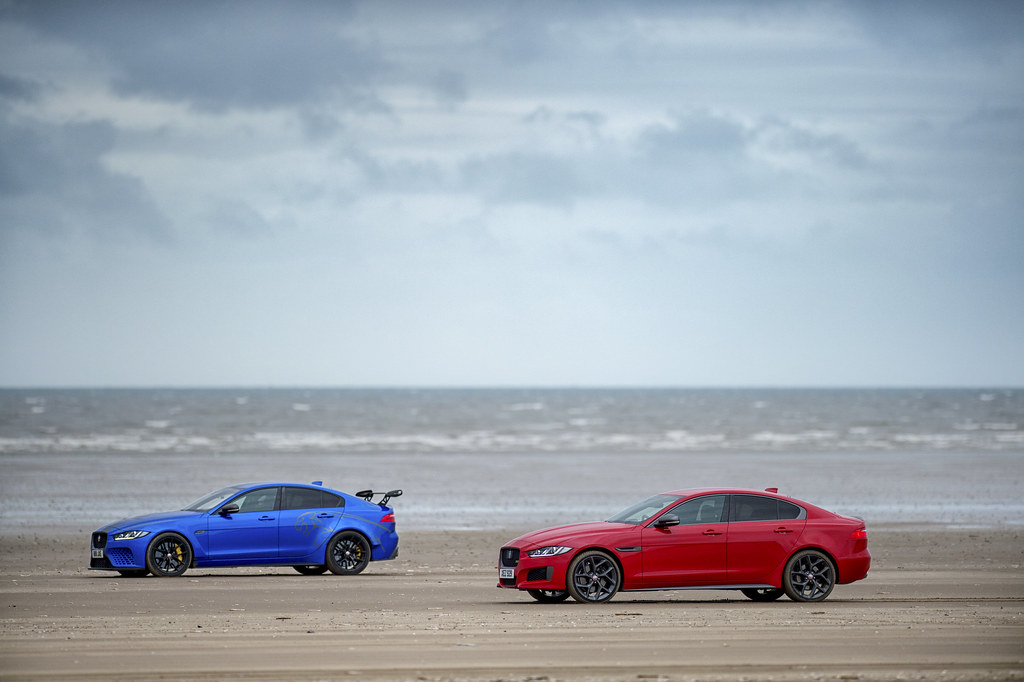 TWO CARS, ONE DNA: JAGUAR XE 300 SPORT AND SV PROJECT 8 DEMONSTRATE SHARED BLOODLINE