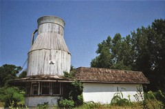 THE MILK CAN ice cream shop (Meredith Jacobson Marciano) Tags: milk icecream abandoned roadside