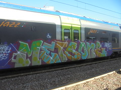 005 (en-ri) Tags: mets one black magik viola verde arrow bianco train torino graffiti writing
