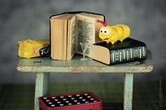 BOEKENWURM || BOOKWORM (Anne-Miek Bibbe) Tags: bookworm boekenwurm crazystilllife stilleven canoneos700d canoneosrebelt5idslr annemiekbibbe bibbe nederland 2018 boeken books
