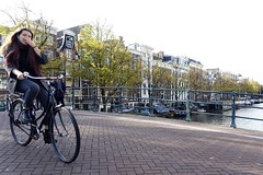 Amsterdam 2018 (theo_vermeulen) Tags: amsterdam bicycle amstel keizersgracht girl street candid people autumn canal bridge