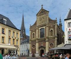 Sint-Michielskerk in Sittard - Limburg (joeke pieters) Tags: 1420810 panasonicdmcfz150 sittard limburg nederland netherlands holland nswandeling spaubeeksittard sintmichielskerk sintmichaëlskerk paterskerk kerk church markt marketsquare limburgsplateau